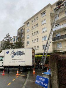 5ème étage Descendre les Meubles avec Monte-Meubles Nantes